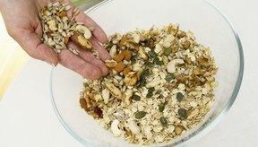 La granola tradicional puede tener muchas calorías.