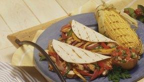 Las fajitas de pollo son una comida saludable cargada de proteínas y vegetales.