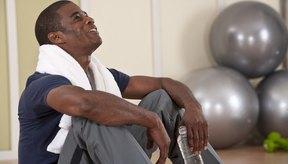 Esa toalla alrededor de tu cuello puede tener un buen uso la próxima vez que no puedas llegar al gimnasio.