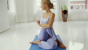 Ardha Matsyendrasana es un estiramiento eficaz para el glúteo menor.