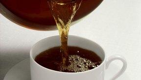 Una taza de 8 oz de café contiene de 95 a 200 mg de cafeína.