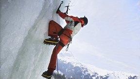 Elige la vestimenta adecuada para el montañismo en altitudes extremas a fin de mantenerte abrigado y saludable.