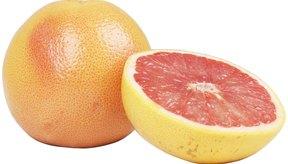 La cáscara de la toronja contiene ácido cítrico, un ácido alfa-hidróxido.