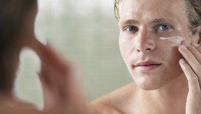 El colágeno es el componente principal de la dermis, y puede encontrarse en varias cremas para el cuidado de la piel.