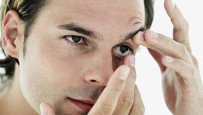 Si tu lente de contacto se va hacia atrás de tu ojo, puedes recuperarlo fácilmente.
