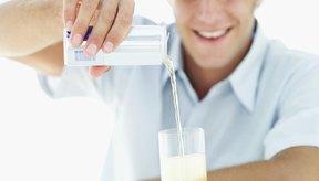Una porción de la bebida energética Monster contiene 27 gramos (0,9 oz) de hidratos de carbono.