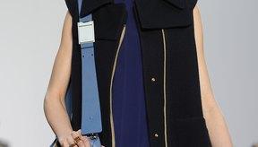 Una modelo muestra la colección Chloe de otoño-invierno lista para usar en París en marzo de 2013.