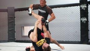 El grappling es una parte importante del entrenamiento de MMA.