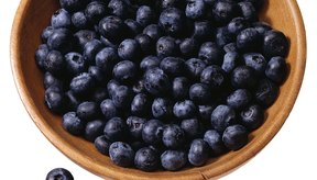 El gran contenido de fibra de las moras te hará sentir plena sin añadir calorías significativas.