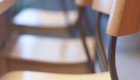 Usa una silla firme para el ejercicio de fondo con silla.