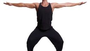 Las sentadillas son ejercicios de entrenamiento de fuerza efectivos que ayudan a la pérdida de peso.