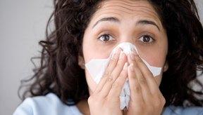 Las alergias afectan a diversas personas sensibles al polen y otros alérgenos.