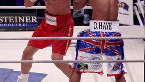 Un boxeador alto, con brazos largos puede tener una ventaja al tirar su jab de izquierda.