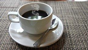 Lo mejor es evitar los alimentos con alto contenido en cafeína, como el café.