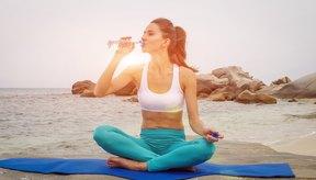 Exercício e hidratação são duas das melhores maneiras de superar o inchaço.