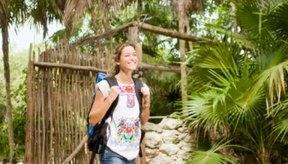 Las caminatas regulares pueden ayudarte a perder el exceso de peso.