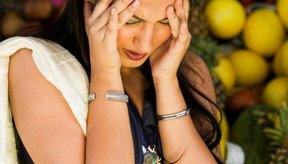 Numerosos factores pueden contribuir a temblores, fatiga y dolores de cabeza después de comer.