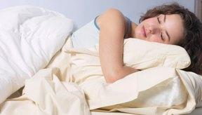 La melatonina ayuda a dormir.