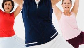 Las clases de acondicionamiento físico mantienen tu ritmo cardíaco elevado para maximizar la quema de calorías.