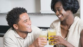 Beber jugo de concentrado es una forma saludable de obtener las vitaminas y minerales que tu cuerpo necesita.