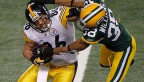 Los jugadores de la NFL suelen estar en el límite entre una derribada legal e ilegal.