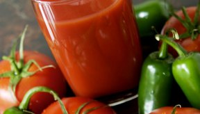 Los jugos de vegetales bajos en sodio son tu mejor elección.
