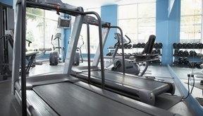Levantar pesas y el ejercicio cardiovascular queman calorías.