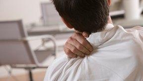 La tensión en los músculos de la espalda alta puede resultar en dolor e inmovilidad.
