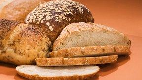 El pan -especialmente el de grano integral- es una adición saludable a tu dieta y no debe agravar el reflujo ácido.