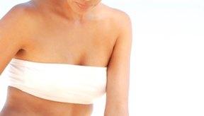 Aplica una crema de silicona para ayudar a que tus cicatrices oscuras se desvanezcan.