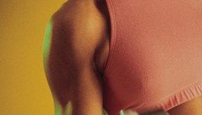 El programa CrossFit escalona la carga y la intensidad para adaptarse a la capacidad atlética del estudiante.