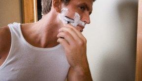 La testosterona es la causante del crecimiento del vello facial.