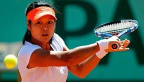 El tenis ayuda a quemar una cantidad significativa de calorías.