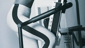 Trepa para fortalecer tus caderas.