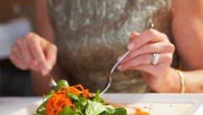 Consumir una dieta con abundancia de vegetales frescos ayuda a la pérdida de peso.