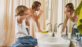 Cepillarse los dientes es una parte importante para poder controlar las bacterias malas.