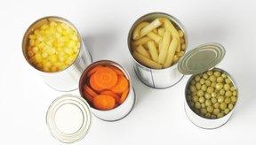Las frutas y vegetales enlatados contienen menos fibras que las versiones frescas.