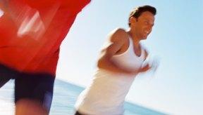 Usa ropa liviana y protector solar cuando ejercitas con mucho calor.