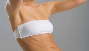 Las flexiones abdominales ayudan a fortalecer los músculos abdominales superiores e inferiores.