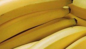 Comprar plátanos que están ligeramente verdes en los extremos te ayudará a que duren más tiempo.