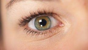 El maquillaje puede ayudarte a ocultar moretones o manchas visibles en la cara.