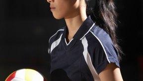 Los golpes legales e ilegales están estrictamente definidos para jugadores de voleibol.