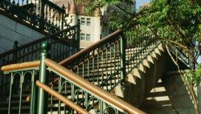Subir escaleras ayuda a equilibrar un cuerpo con forma de triángulo invertido.