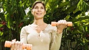 El American College of Sports Medicine recomienda el levantamiento de peso por lo menos dos veces por semana para metas de salud general.