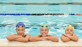 Los gorros de natación vienen en muchos colores.