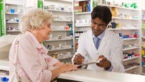 Tu farmacéutico te puede explicar el efecto del medicamento en el hígado.