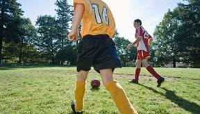 Los jugadores de fútbol pierden grasa durante el entrenamiento, las líneas de ataque y los partidos.
