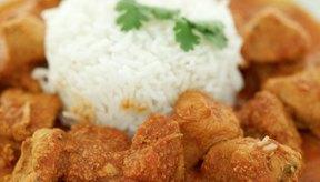 Pequeñas porciones de arroz blanco pueden formar parte de un plan de dieta para adelgazar.