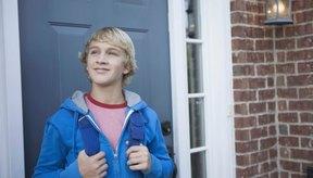 Un niño de 14 años puede perder peso cortando calorías y siendo más activo.