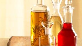 Beber vinagre directamente puede dañar tu estómago y tus dientes.